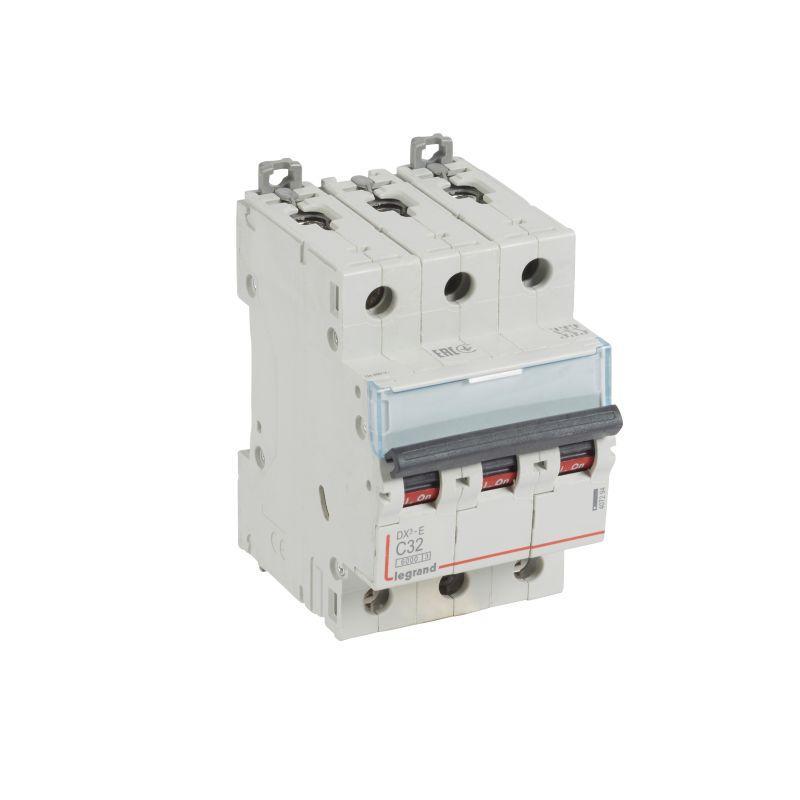 Выключатель автоматический модульный 3п C 32А 6кА DX3-E 6000 3мод. 230/400В Leg 407294