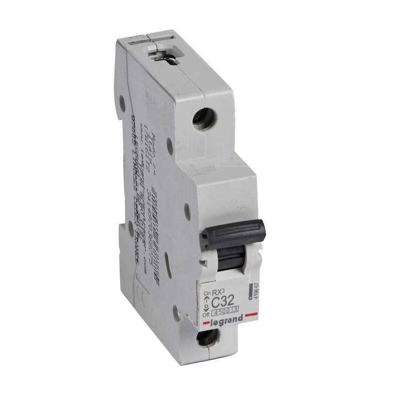 Выключатель автоматический модульный 1п C 32А 4.5кА RX3 Leg 419667